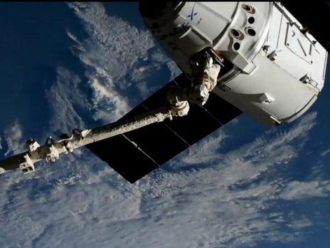"""Космический """"грузовик"""" Cargo Dragon состыковался с МКС"""