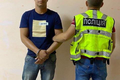 """Поліція затримала чоловіка, який побив і намагався зґвалтувати жінку в поїзді """"Маріуполь-Київ"""" (оновлено)"""
