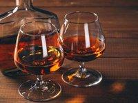 В Ірані понад 200 осіб померли від алкогольного отруєння