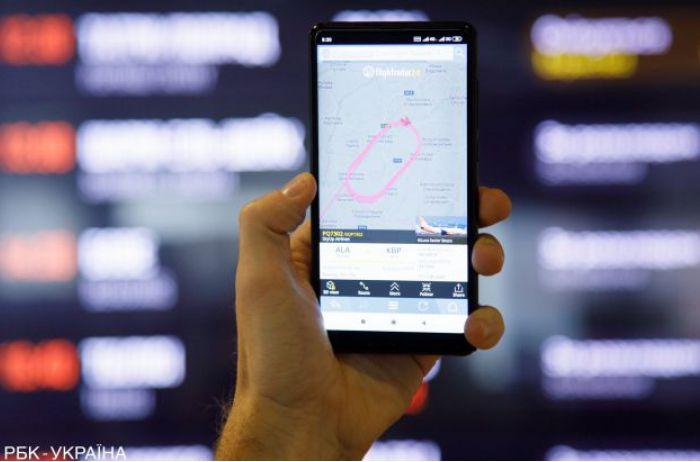 """В Украине с 1 августа введены """"кассовые аппараты"""" в смартфоне"""