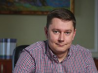 Заступник голови ВП Костюк заробив за рік 151 тис. грн, зберігає готівкою $27,4 тис., EUR12, 5 тис. і 148,5 тис. грн, придбав авто за 10 тис. грн