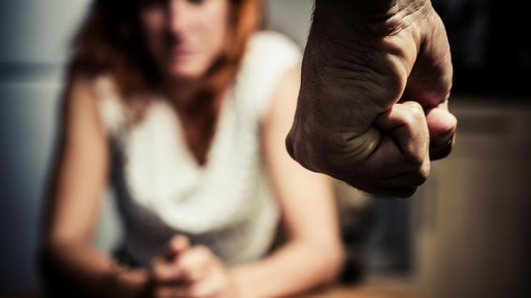 Девушке из Херсона, которая убила отчима-агрессора, изменили статью обвинения на более мягкую