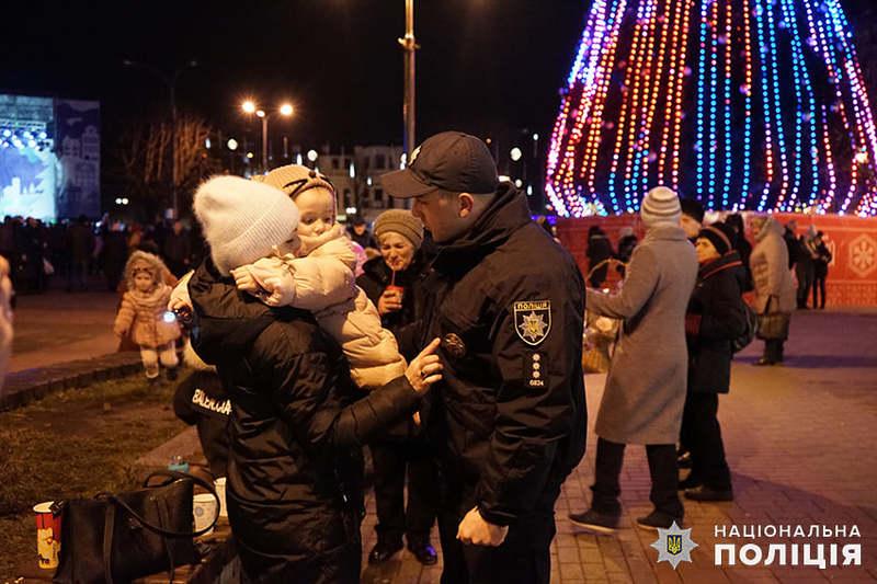 На Хмельниччині понад три сотні правоохоронців охоронятимуть порядок в новорічну ніч
