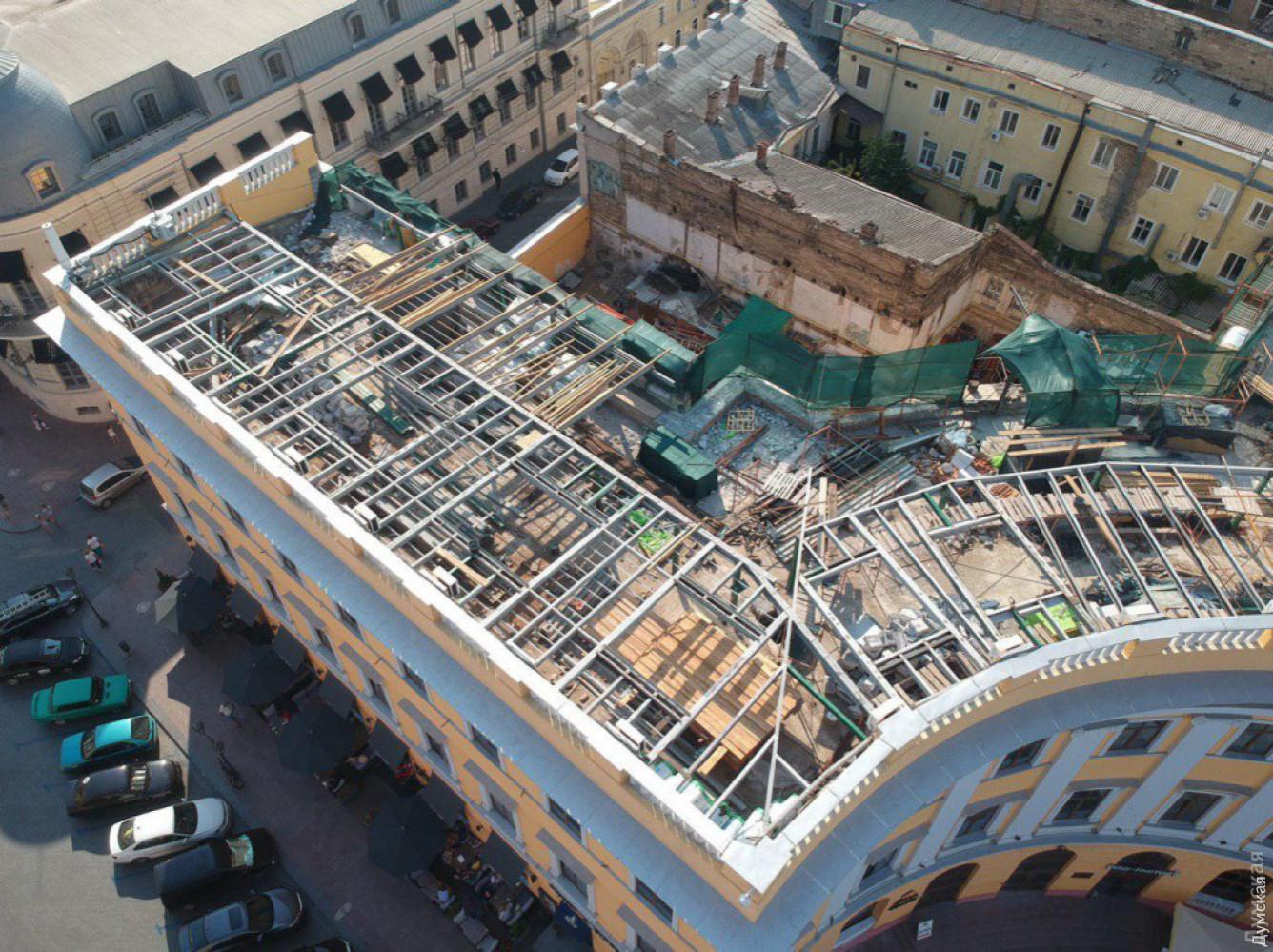 Одесский судотменил штраф занезаконную реконструкцию «полуциркульного» здания уДюка