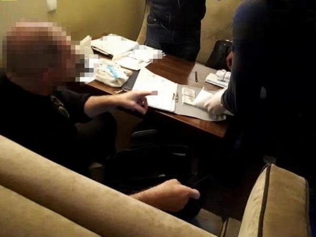 Попался: в Полтаве задержали адвоката-взяточника