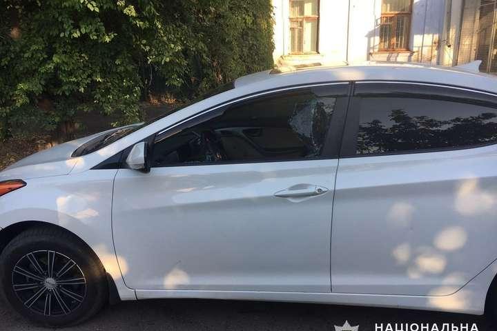 У Миколаєві з автомобіля викрали сумку з 750 тисячами гривень