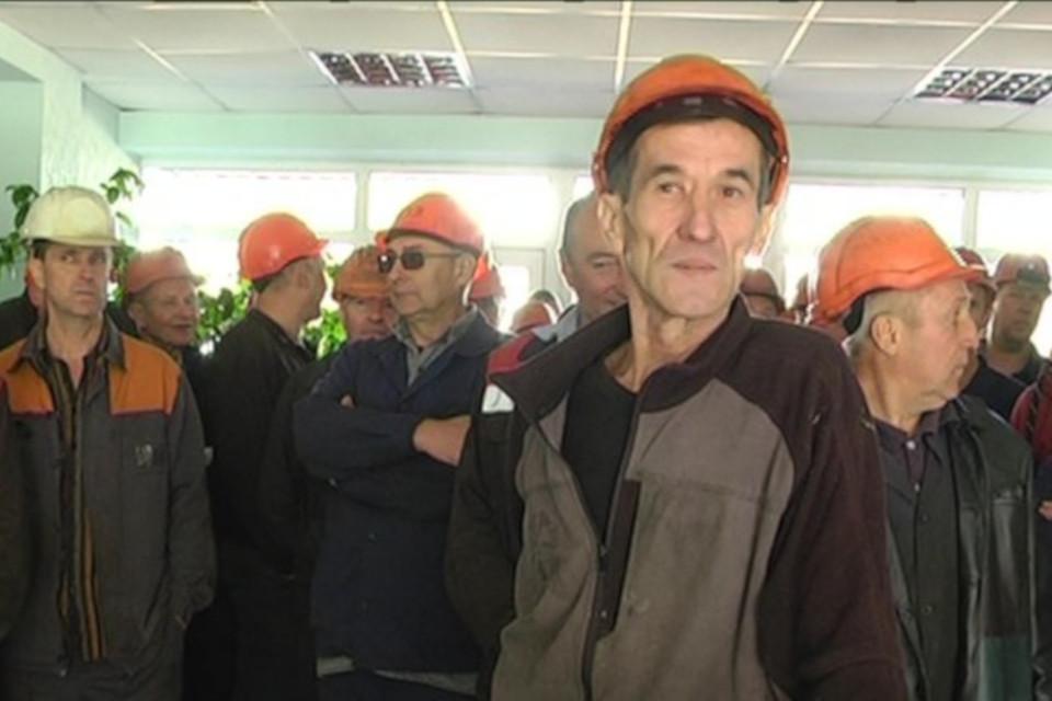 У Сумах страйкують працівники трубного заводу через борги із зарплати