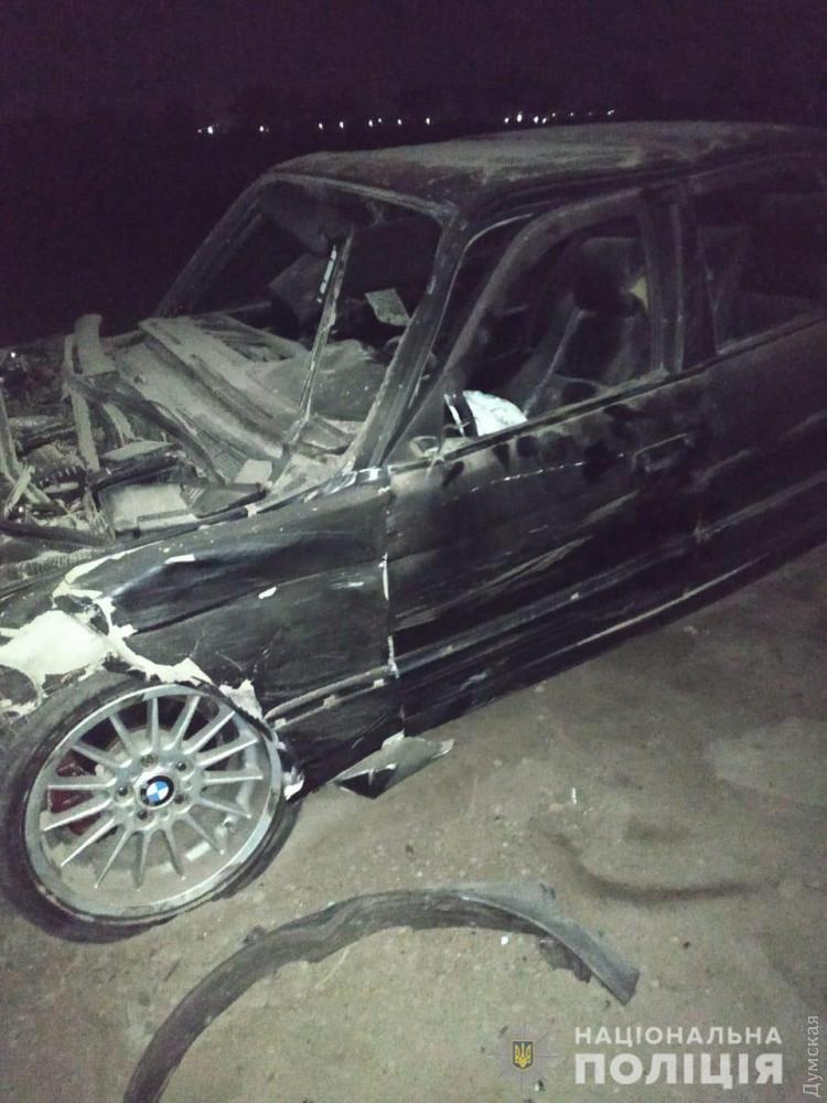 ВОдесской области машина насмерть сбила пешехода ивылетела вкювет