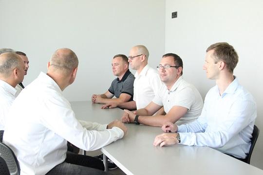 Закарпатські митники провели з угорськими колегами зустріч та зіграли у футбол (ФОТО) - allow