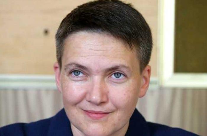 Грязные ноги на столе: Савченко отличилась скандальной выходкой
