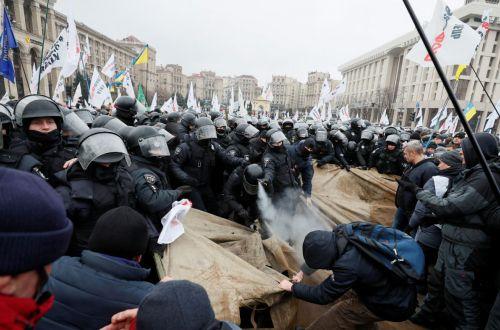 Противостояние ФОПов: украинцы не хотят платить налоги, и виновата власть