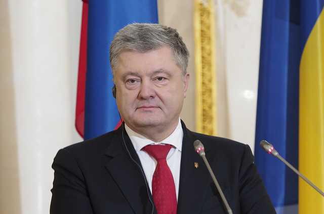 Рейтинг доверия к Порошенко упал до 15%