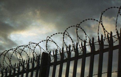 На Тернопільщині інспектор охорони за гроші «співпрацював» з ув'язненими та хотів збувати наркотики