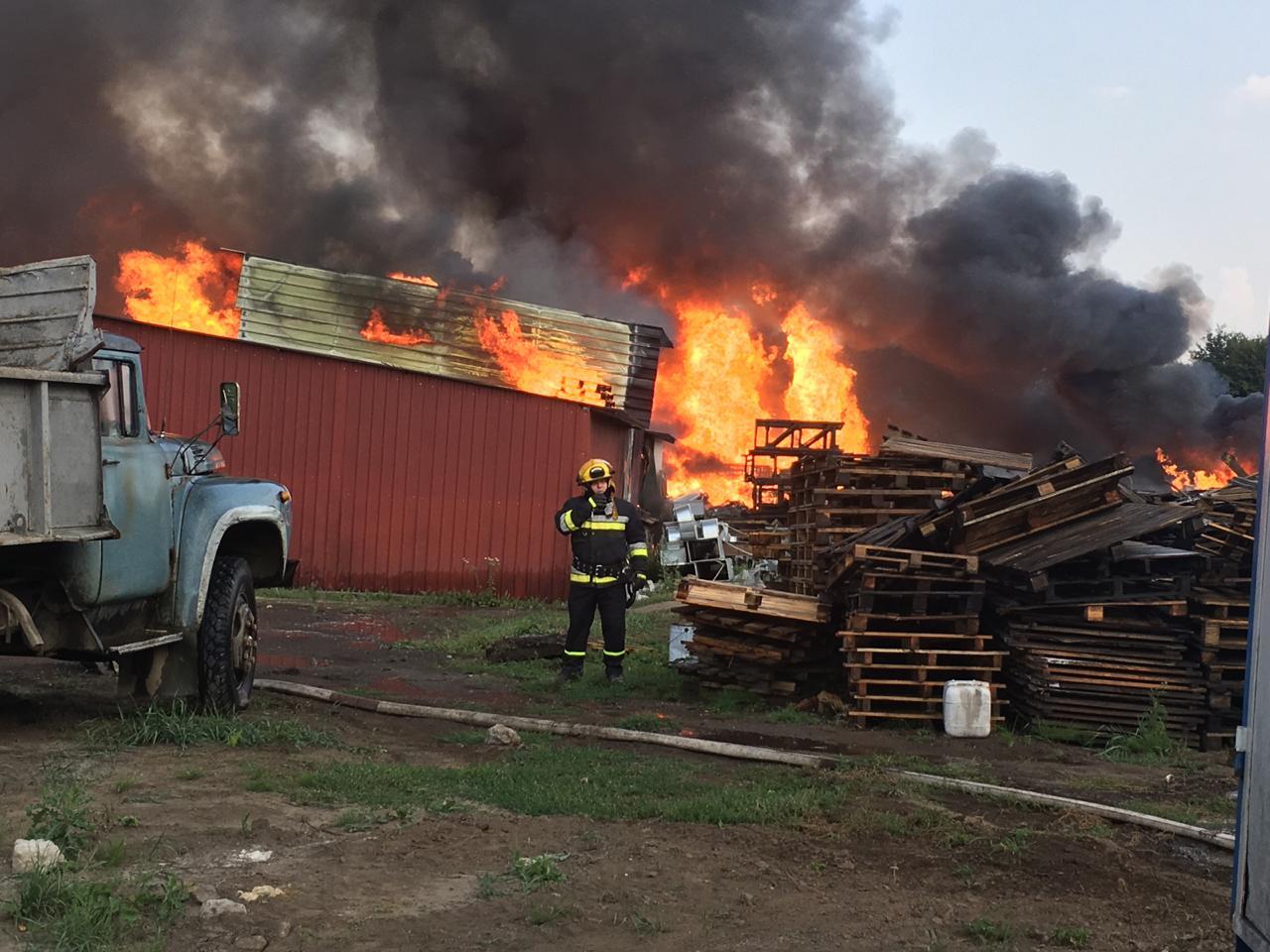 Ранее сообщалось, что на пожаре пострадали два человека