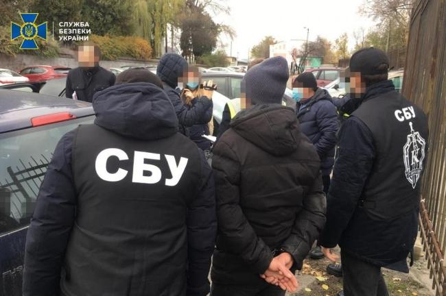 СБУ задокументувала отримання хабарів керівником підрозділу Укрзалізниці за підключення до електромереж товариства