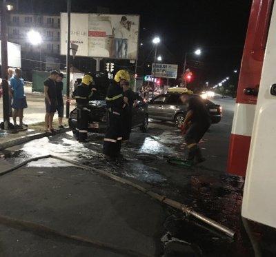 В Новой Каховке горел автомобиль