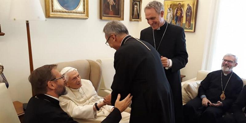 Делегация священного Синода епископов УГКЦ встретилась с Папой-эмеритом Бенедиктом XVI