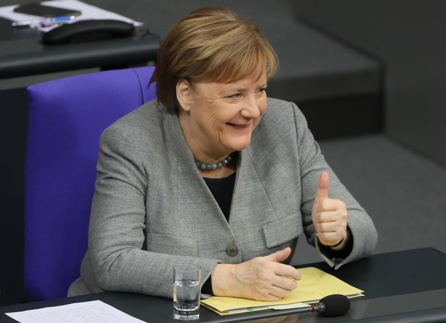 Зьодер проти Лашета. Хто стане кандидатом у канцлери від партії Меркель?