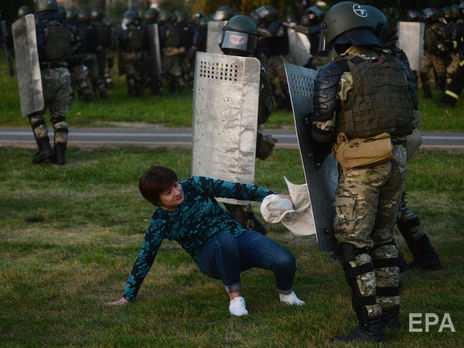 Більшість українців підтримує протестувальників у Білорусі – опитування