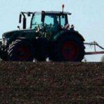Трагедія на Буковині: нетверезий чоловік позбувся життя через трактор