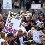 """""""Мы не согласны"""": в Британии тысячи людей вышли на """"антикоронавирусный"""" протест"""