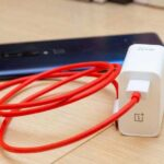 Пит Лау опубликовал изображение и характеристики блока питания Warp Charge на 65 Вт для OnePlus 8T