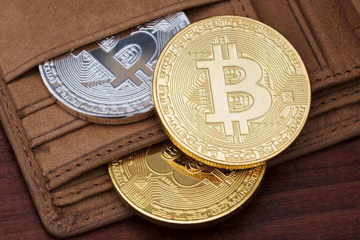 Стрімкий ріст курсу біткоїну: сім важливих правил, як купити криптовалюту