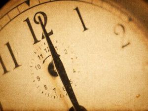 """""""Анахронізм треба відміняти"""". Рада зробила крок до припинення переведення годинників на літній час"""