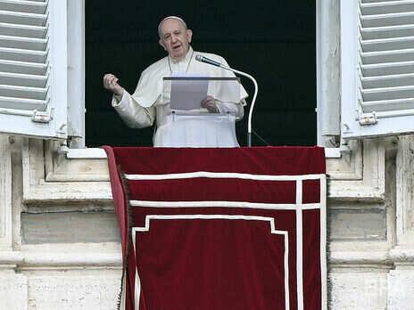 Папа римський Франциск закликав до деескалації ситуації на Донбасі