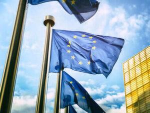 Євросоюз вважає, що Росія прагне де-факто інтегрувати частину України – Bloomberg