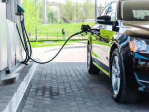Вимушений і тимчасовий захід. У Кабміні пояснили введення держрегулювання цін на дизельне паливо і бензин
