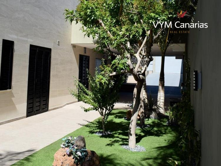 Дом / Вилла Caldera del Rey, San Eugenio Alto — Costa Adeje, Adeje
