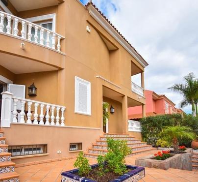 House / Villa El Duque-Costa Adeje, Adeje