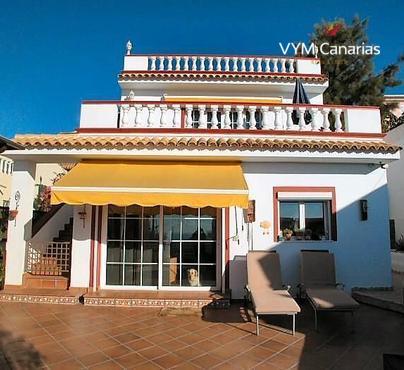 House / Villa Valle San Lorenzo, Arona