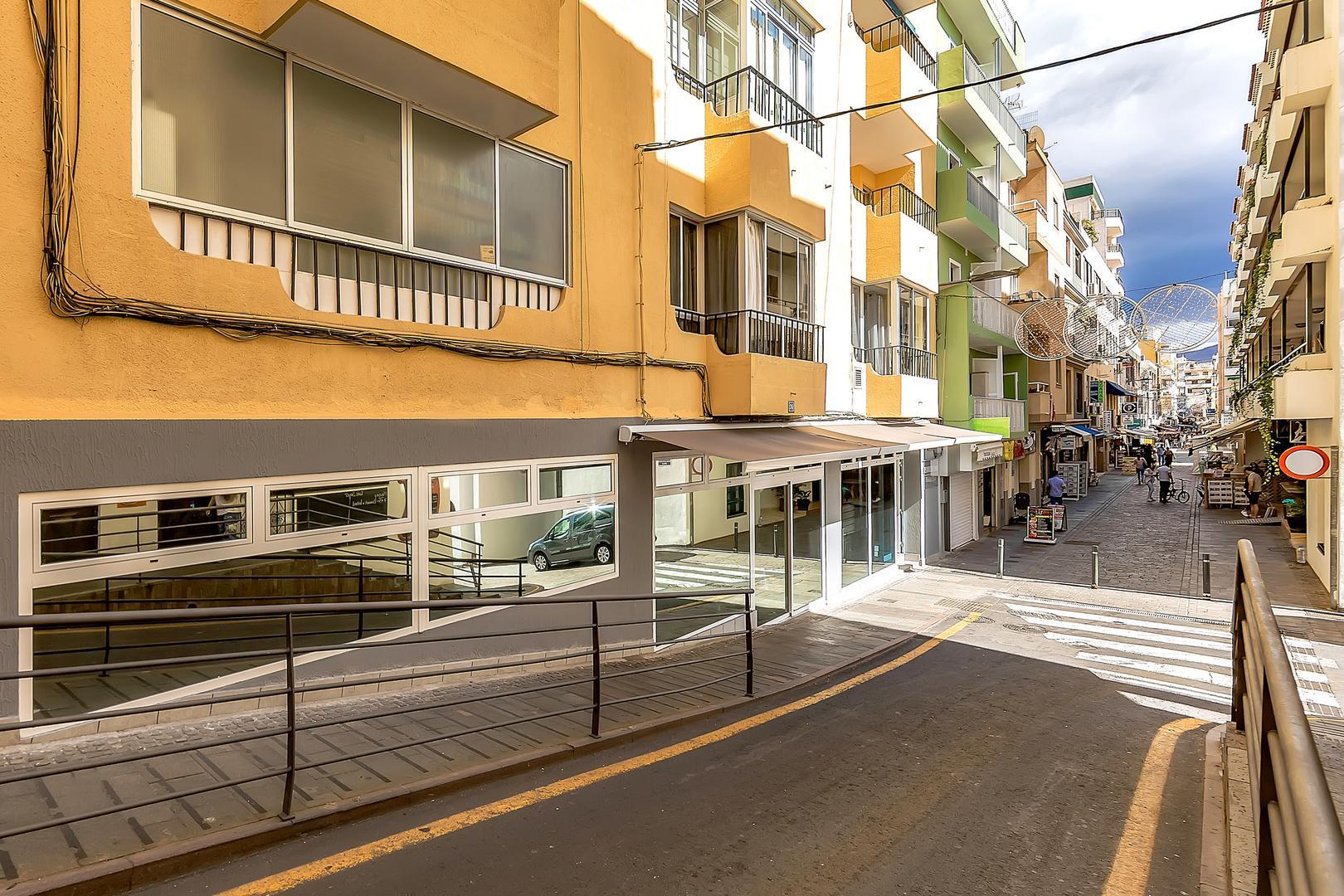 Buildings – Hotels Los Cristianos, Arona