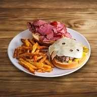 5th AVE Pastrami burger