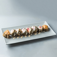 B35. Special tempura / σολωμός, τυρί philadelphia, αυγό ψαριού & special sauce