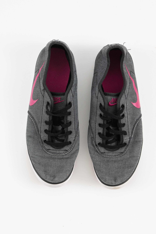 Nike Sneakers Grau Gr.38.5