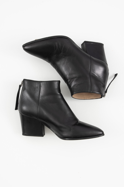 0039 Italy Stiefel / Stiefelette / Boots Schwarz Gr.37