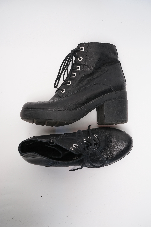 Akira Stiefel / Stiefelette / Boots Schwarz Gr.41
