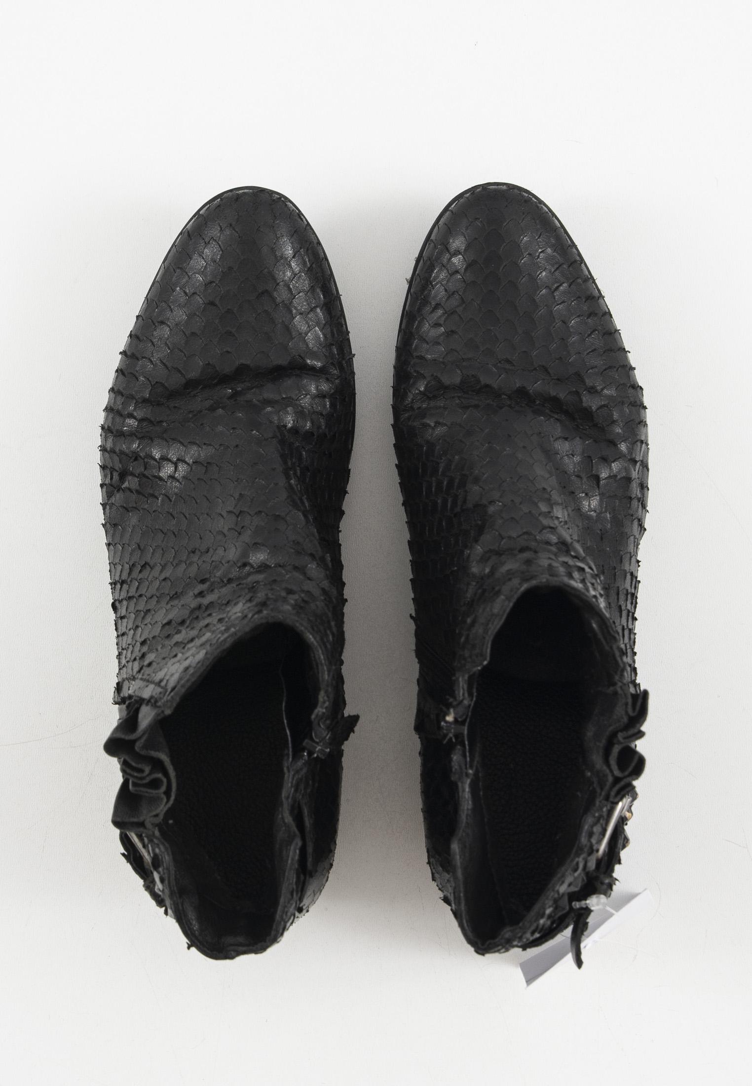 0039 Italy Stiefel / Stiefelette / Boots Schwarz Gr.38