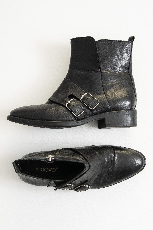 Inuovo Stiefel / Stiefelette / Boots Schwarz Gr.39