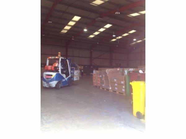 Self Collection Fr £1 50/kg Send Document /Parcel/Cargo