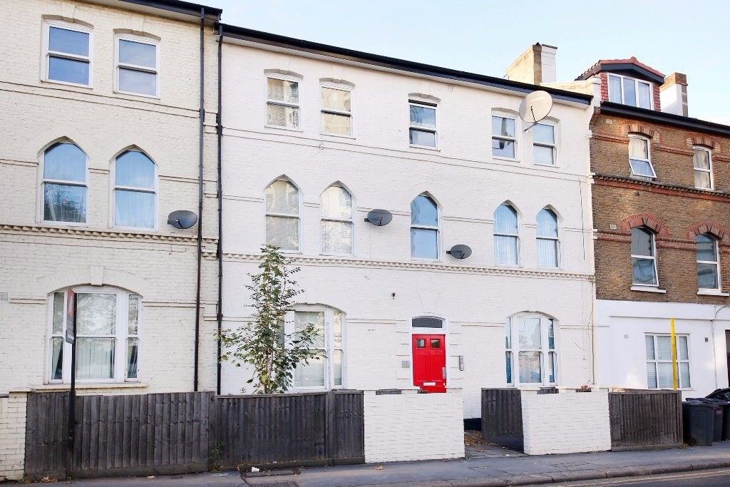 Penge Road - One double bedroom flat available now (NO DSS, NO PETS)