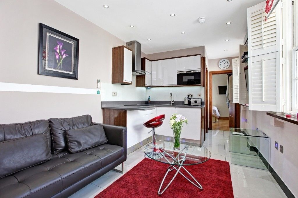 BAKER STREET**AVAILABLE NOW**NOT TO BE MISSED**STUDENTS ARE WELCOME**ONE BED FLAT FOR LONG LET