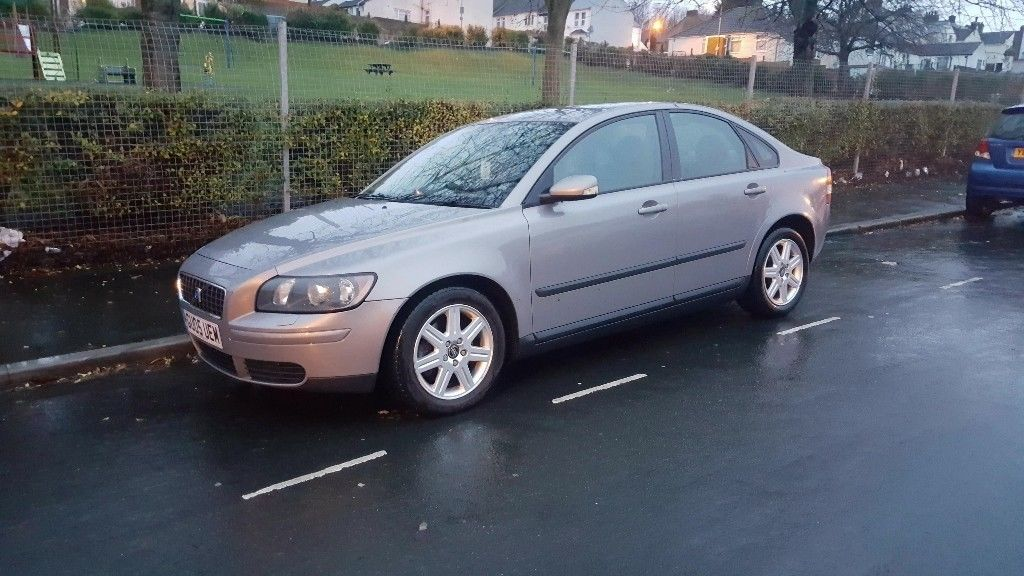 Volvo S40/V50 SERIES, 2005 (05) Grey Saloon, Manual 6 speed Diesel, start and drive very well