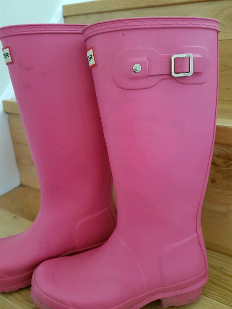 Girls pink 100% genuine Hunter Wellington boots size e-image-1