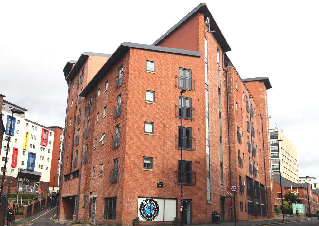 3 bedroom flat in REF: 10208 | Rialto | Melbourne St | Newcastle upon Tyne | NE1