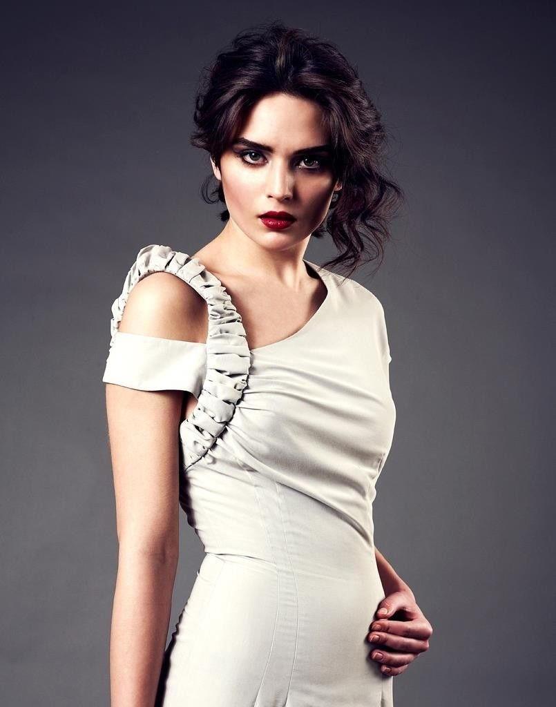 Fashion production, pattern cutting, seamstress, samples, manufacturing, dressmaker, designer-image-2