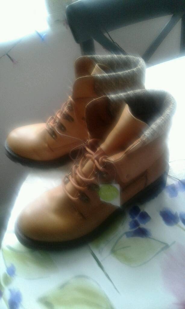 Ladies new boots-image-1